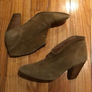 Topshop suede ankle boots. Size 9.